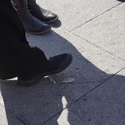 pies caminando en los paseos de Flaneadoras Madrid