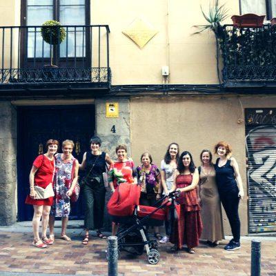 Paseo urbano Madrid LAs incurables, grupo de mujeres, Flaneadoras